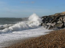 Barton_on_Sea,_pounding_waves_-_geograph.org.uk_-_668940