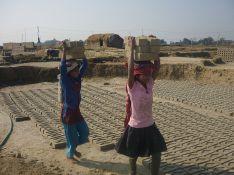 800px-Child_labour_Nepal